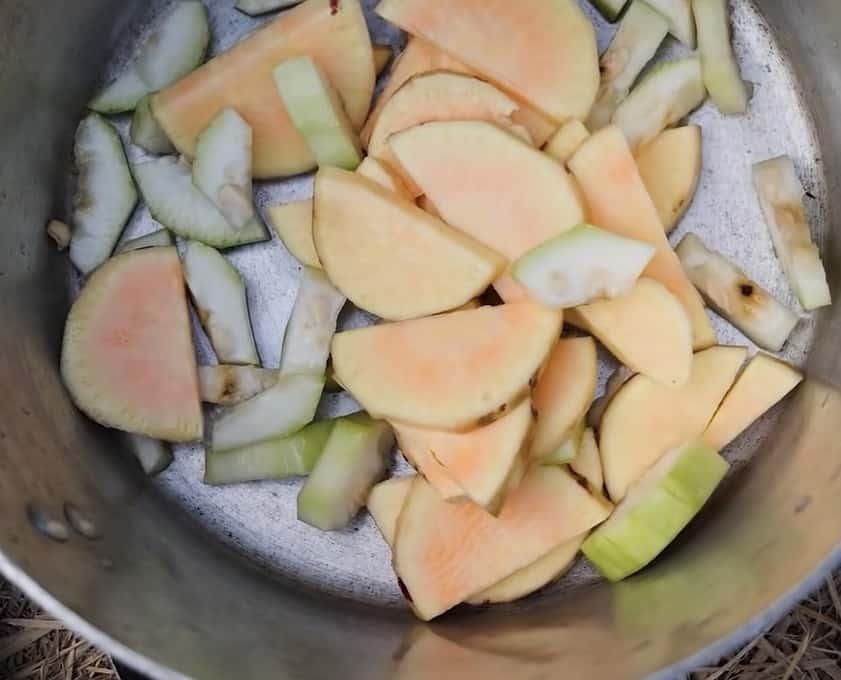 Củ khoai và quả bầu giúp đẹp da, xổ độc đường ruột, hết táo bón